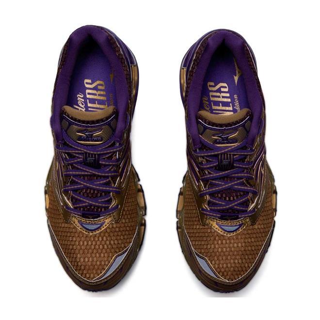 db1a0bb26ba53 Tênis Mizuno Wave Prophecy 5 Golden Runners Dourado Feminino. Ampliar
